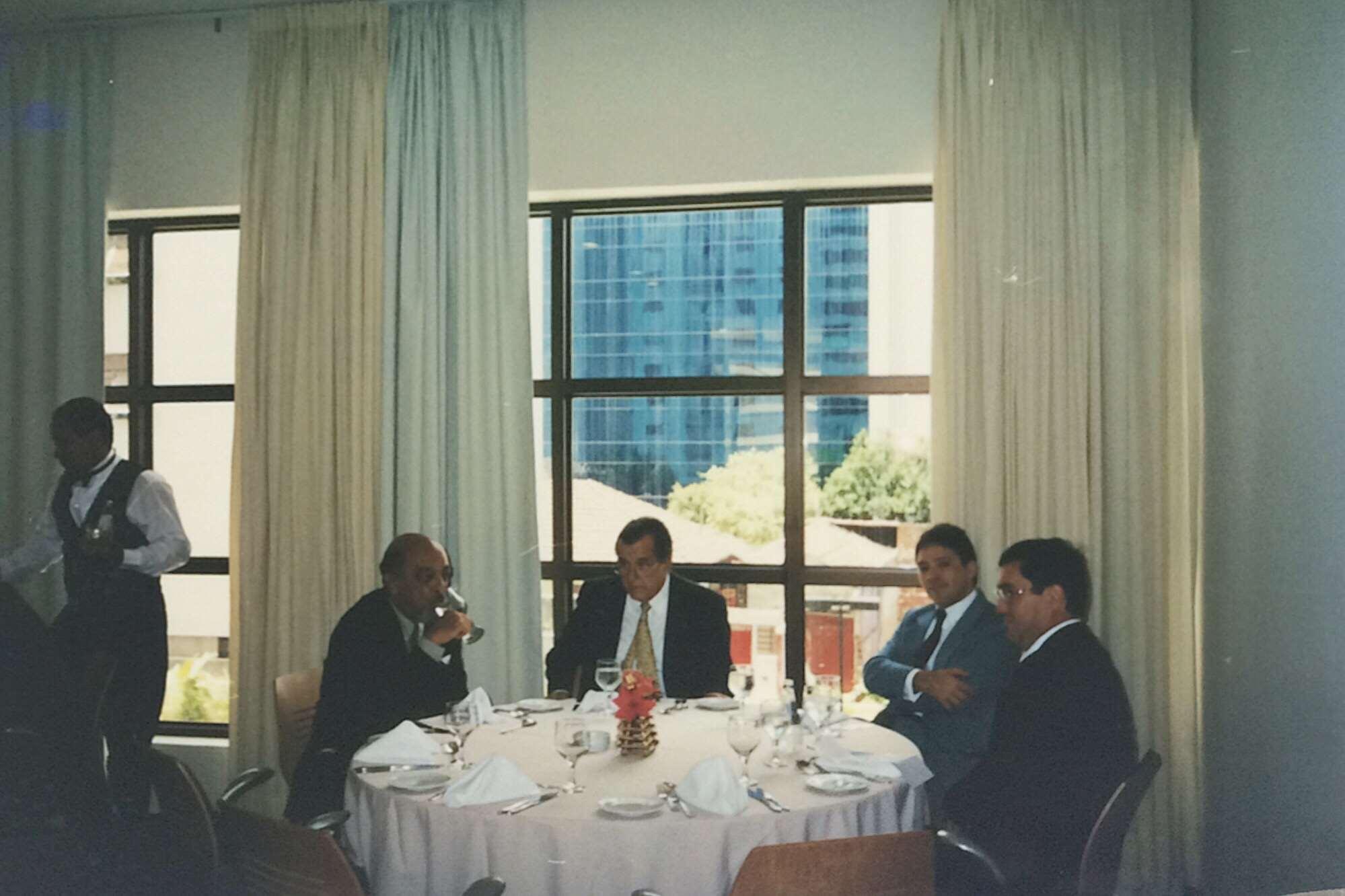 Almoço de fim de ano – 2001