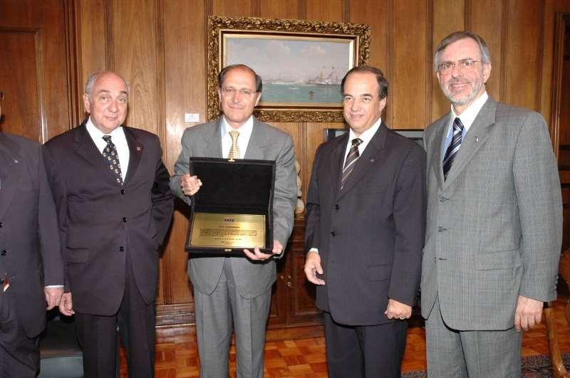 VISITA AO GOVERNADOR – 2004