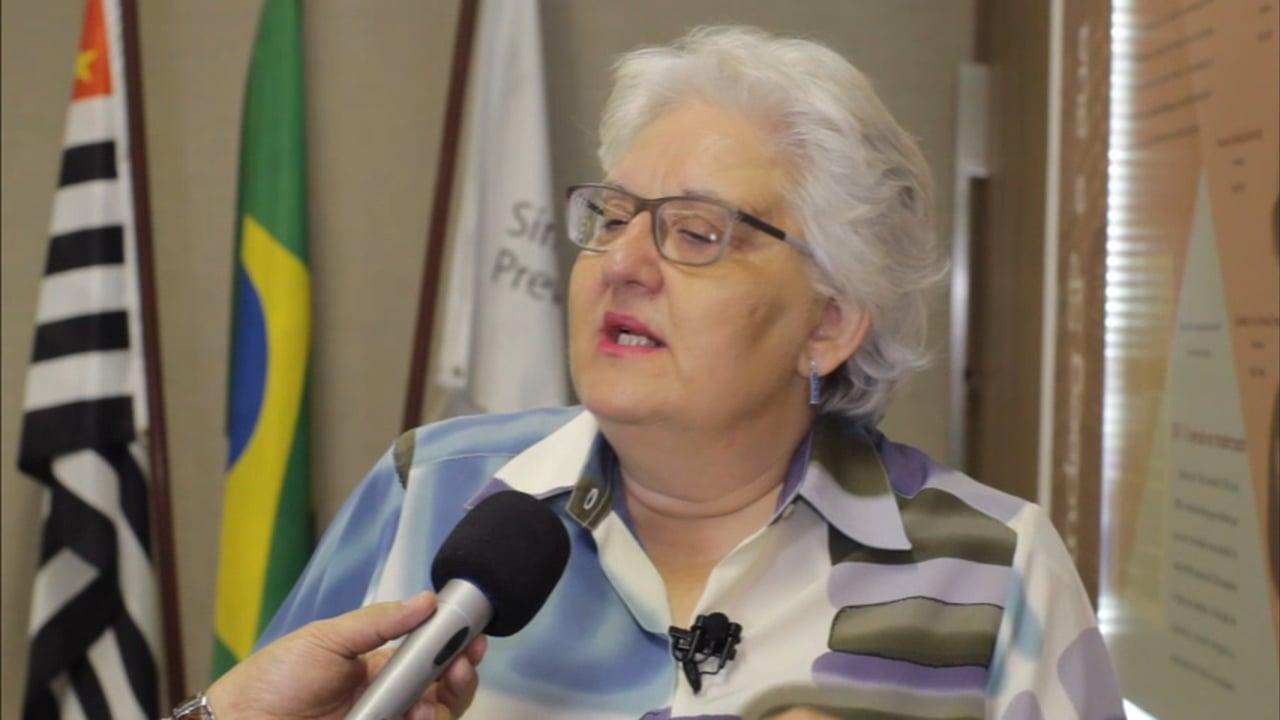 Angélica Luciá Carlini