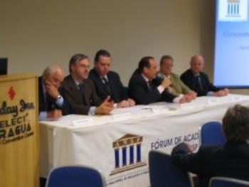 V Fórum AC. 2004