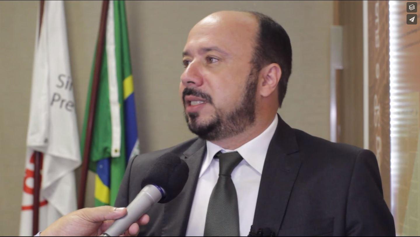 José Luis Schneedorf Ferreira da Silva